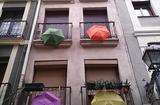 Kamienica z parasolkami