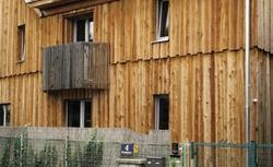 Recykling i naturalne materiały budowlane fundamentem domu ekologicznego
