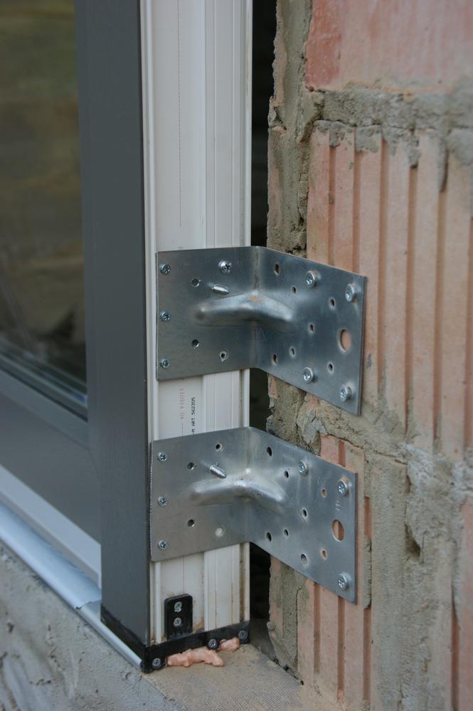 Montaż drzwi balkonowych