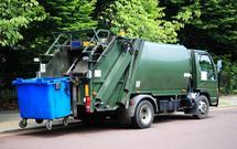 Ustawa śmieciowa już obowiązuje! Nie ma pojemników na śmieci, są za to nierozstrzygnięte przetargi – RAPORT