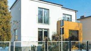 Rolety zewnętrzne i okna antywłamaniowe. Zabezpieczenie domu przed złodziejem