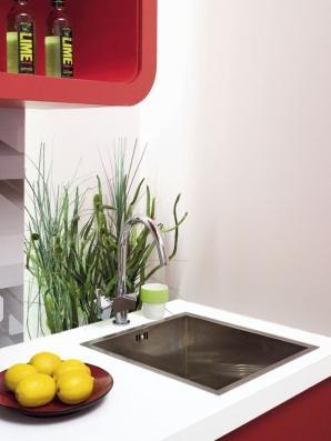Kuchnia w klubowym stylu z trójwymiarową fototapetą