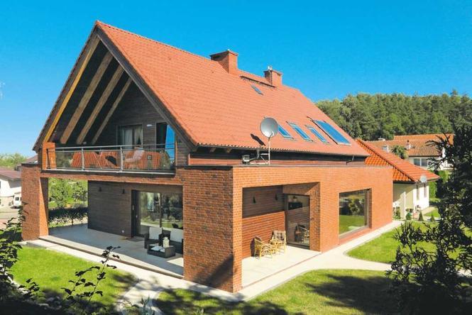 Dwuspadowy dach kryty dachówką
