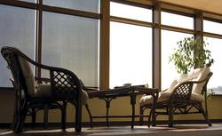 Przesłanianie okien pionowych: markizy okienne