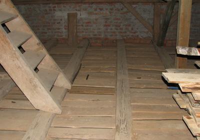 Remont stropu drewnianego. Izolacja starego stropu keramzytem