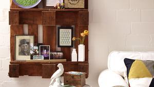 Jak zrobić półkę z drewnianej palety?