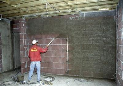 Tynkowanie ścian na dobrym podłożu