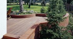 Ciekawy projekt tarasu drewnianego z drewna egzotycznego