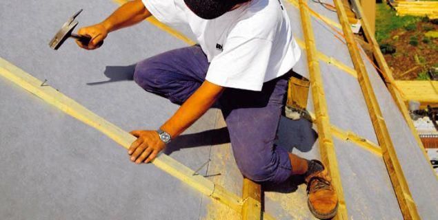 Folie na dach skośny. Paroizolacja i folia wstępnego krycia na dach spadzisty