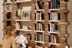 Oryginalny regał na książki: galeria nietypowych projektów regałów